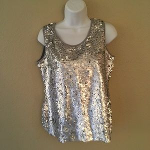 NEW Essentials top size s